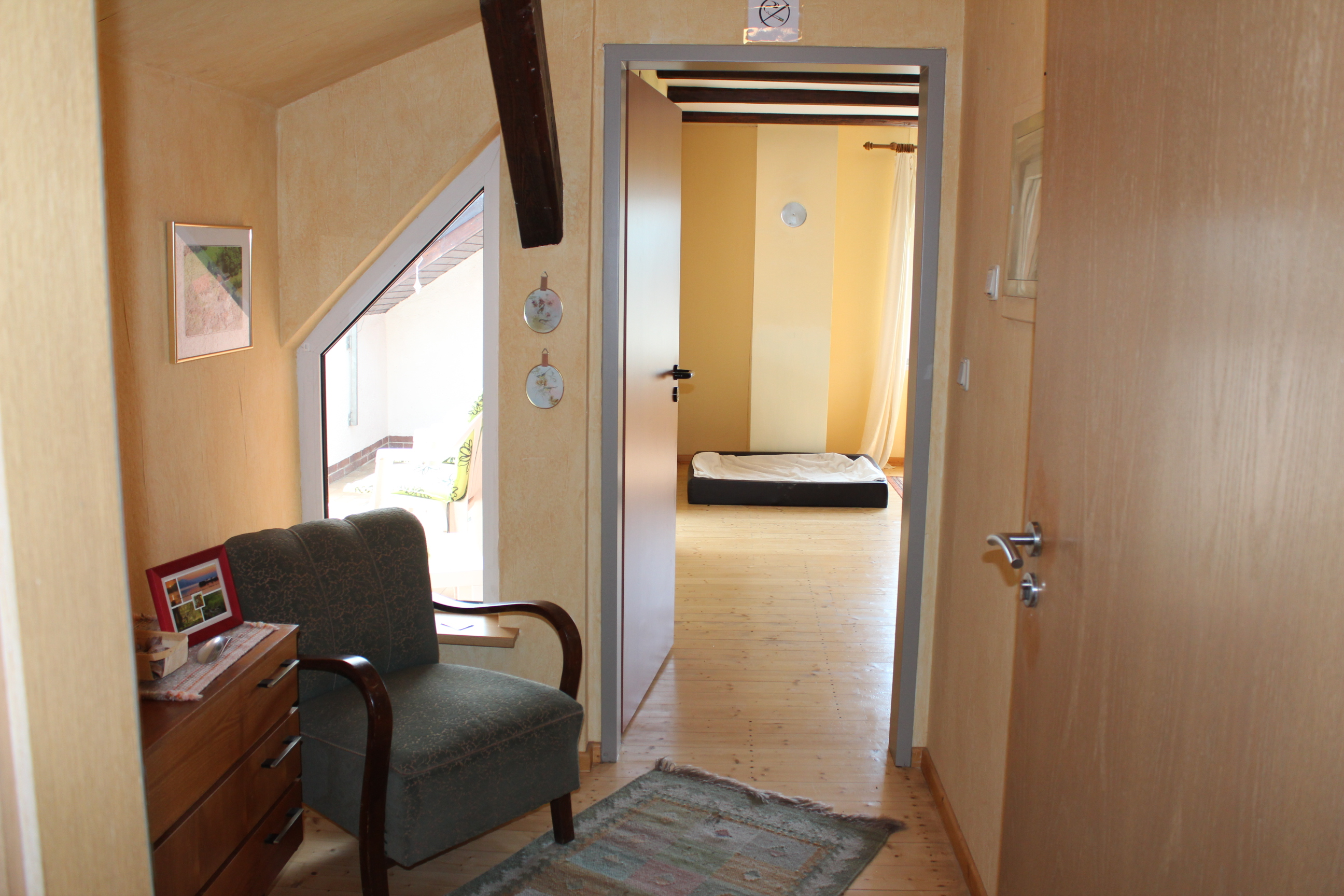 wohnung 70m dachgeschoss puckels pension. Black Bedroom Furniture Sets. Home Design Ideas
